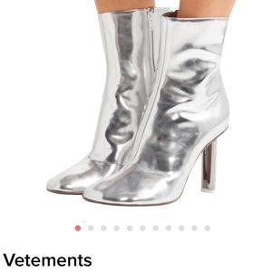 Vetements boots 👢 😍